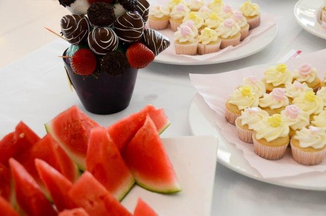 snack food table display